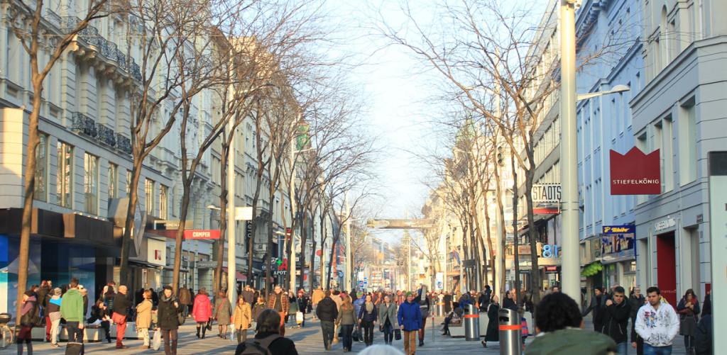 Mariahilfer Straße - Shopping in Vienna